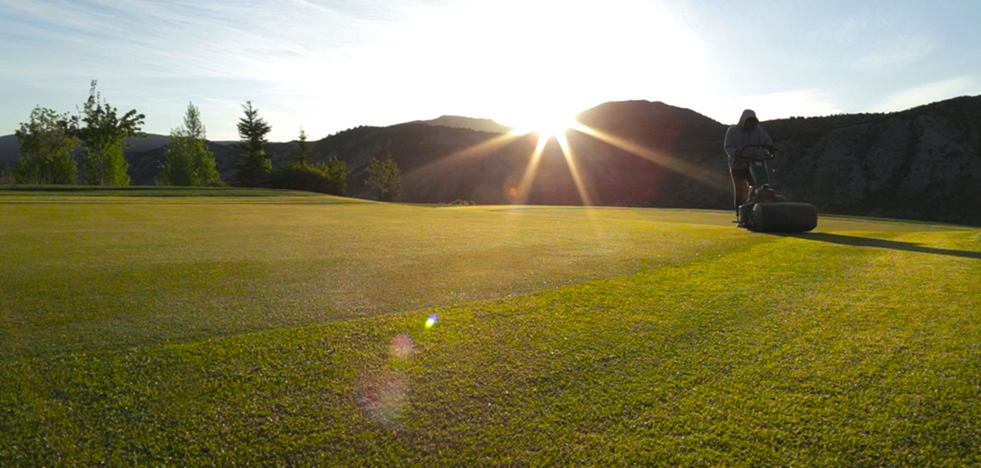 mowing-web-golf